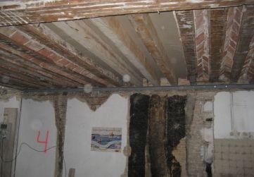 reposición cabios en suelo bajo cubierta