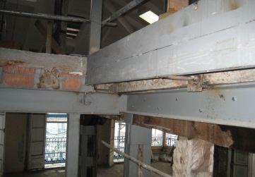estructura metálica horizontal caja escalera