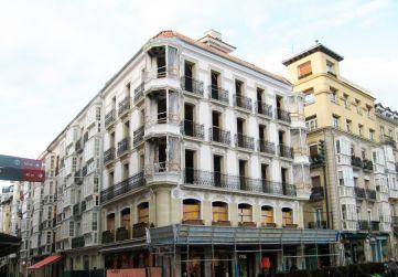 alzado principal y a calle Diputación