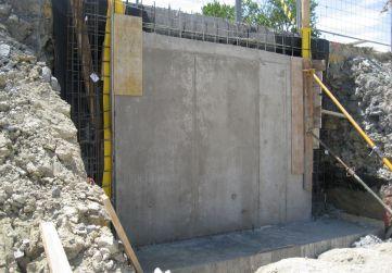 Tramo muro hormigonado
