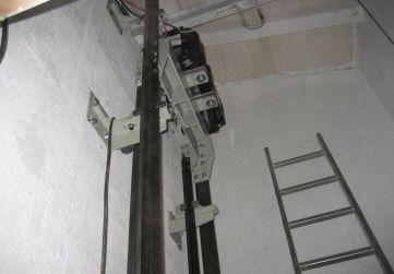 Trabajo instalación ascensor