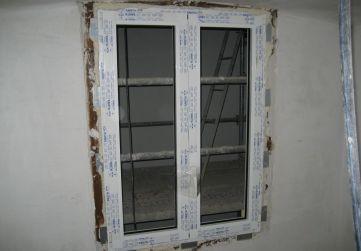 Colocación ventanas caja escalera