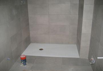Alicatado y solado en cuarto de baño