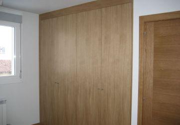Carpintería madera frente de armario