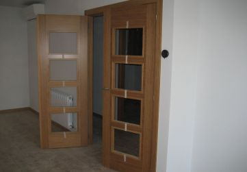 Carpintería madera puerta salón